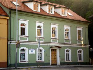 Sídlo advokátní kanceláře - Zbraslavské náměstí 458, Praha 5 - Zbraslav